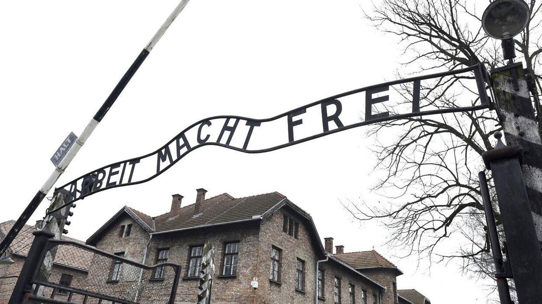 Det berygtede 'Arbeit macht frei'-skilt i koncentrationslejren Auschwitz i Polen.