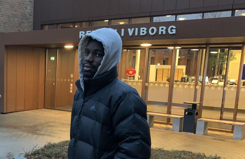Bernio Verhagen foran Retten i Viborg.