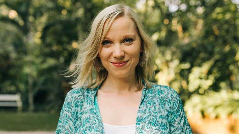 Laura Grubb bruger sin hverdag som ejer af en mindre virksomhed, hvor hun underviser i cyklussens fire faser. Hun er den eneste ansatte.