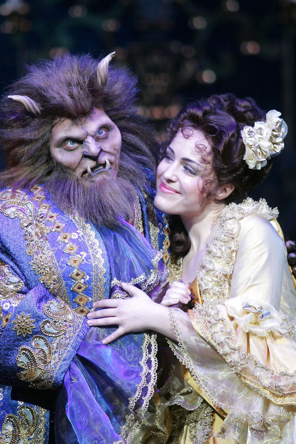 Maria Lucia Heiberg Rosenberg vandt talentshowet 'Popstars' i 2003. To år senere scorede hun hovedrollen i 'Skønheden og Udyret' på Det Ny Teater og har siden haft tonsvis af andre.
