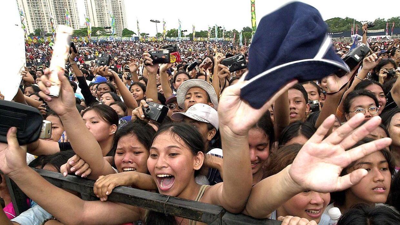 Vilde fans til en Westlife-koncert i Jakarta, Indonesion i 2001.