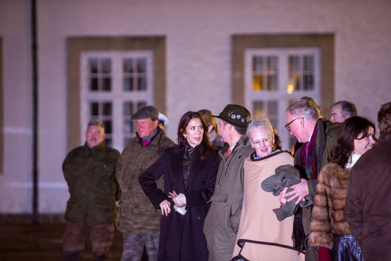 Jagten i Klosterheden er den tredje kongejagt i denne sæson. Den 20. november var der kongejagt på Fredensborg, hvor både Dronningen og Kronprinsessen deltog ved den efterfølgende taffel.