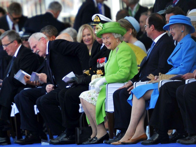 Modsat deres mandlige 'kolleger' har dronning Margrethe og dronning Elizabeth holdt sig ude af de store skandaler.