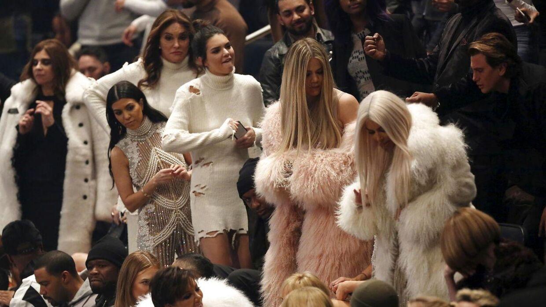 Her er en af de få gange, man har set Caitlyn Jenner og Khloé Kardashian sammen, efter deres problemer startede. Det var ved Kanye Wests modeshow i 2016.