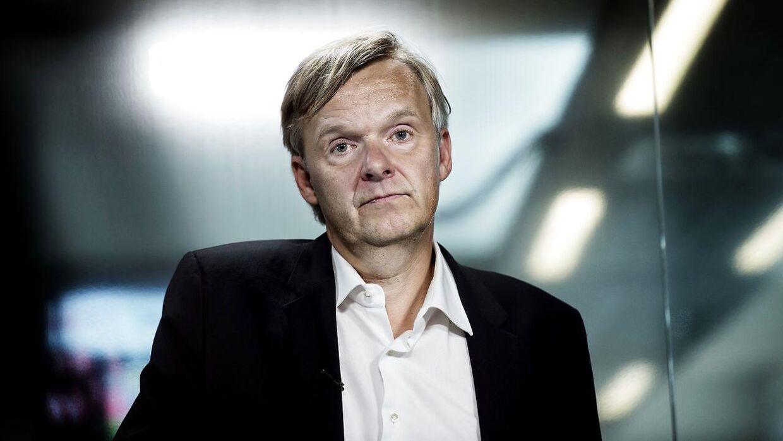 Ekstrabladets chefredaktør Poul Madsen præsenterer mandag to nye medlemmer af dagbladets chefredaktion. (Foto: Liselotte Sabroe/Scanpix 2016)