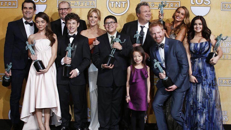 Sarah Hyland er nok mest kendt fra hitserien 'Modern Family', hvor hun spiller rollen som Haley Dunphy. Her ses hun sammen med resten af seriens hovedpersoner.