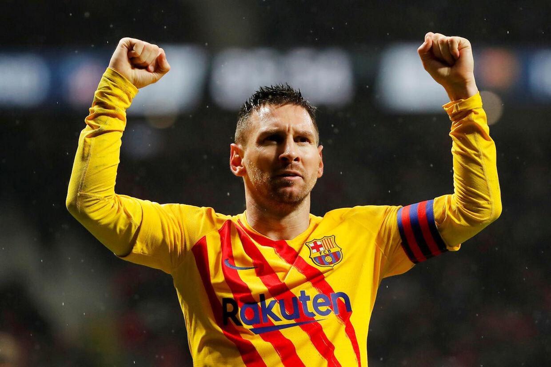 Går alt som ventet, så vil den argentinske Barcelona-spiller Lionel Messi løfte guldbolden mandag aften.