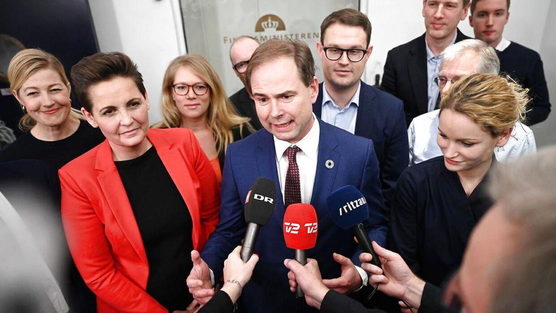 Pia Olsen Dyhr, finansminister Nicolai Wammen og Pernille Skipper. De røde partier præsenterer finanslovsforlig i Finansministeriet i København, mandag den 2. december 2019.