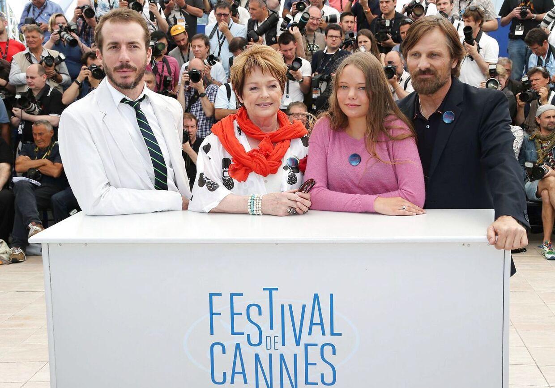 Viilbjørk Malling Agger på Filmfestival i Cannes sammen med Viggo Mortensen, Ghita Nørby og den argentinske skuespiller Esteban Bigliardi.