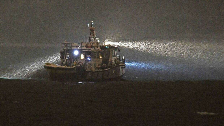 Sådan så det ud, da der blev ledt efter familien i vandet ved Tromsø.