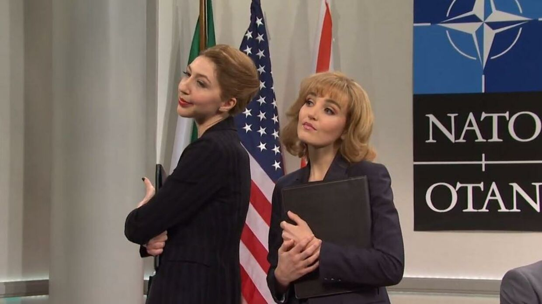 'Mette Frederiksen' og den norske statsminister 'Erna Solberg' i den amerikanske sketch