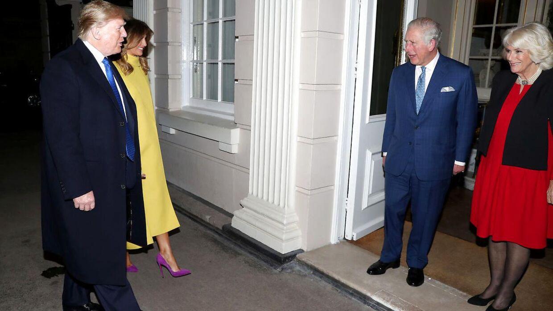 Donald Trump og Melania Trump hilste på Prins Charles og Camilla, hertuginde af Cornwall, i Clarence House i tirsdags.