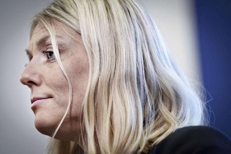 Forsvarsminister Trine Bramsen holder pressemøde om den verserende sag om manglende kontrol og svindel i Forsvarsministeriet Ejendomsstyrelse i København tirsdag den 10. december 2019