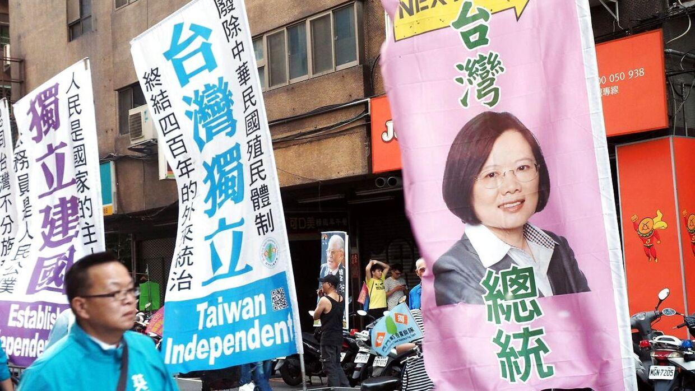 Billede fra Taiwan med et banner, der portrætterer Taiwans præsident, Tsai Ing-wen. Arkivfoto.