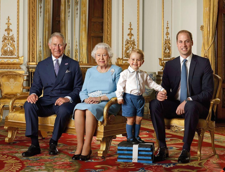 Det er en fordel at være regent længe. Så stiger populariteten, viser historien. Men det kan også være svært at være den, der skal vente. Som britiske prins Charles, der må se, at hans søn, prins William, er mere populær end ham selv.