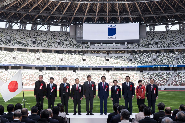 Japans nye nationalstadion i Tokyo blev åbnet søndag. Det skal bruges under OL næste år. Tomohiro Ohsumi/Ritzau Scanpix