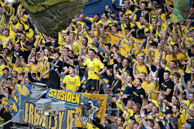 Brøndbys inkarnerede fans på Sydsiden.
