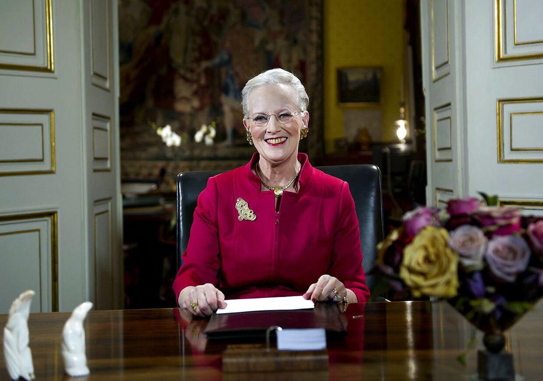 Bag rollen som dronning gemmer sig en nysgerrig, klog og meget morsom person, fortæller dronning Margrethes barndomsveninde Birgitta Hillingsø