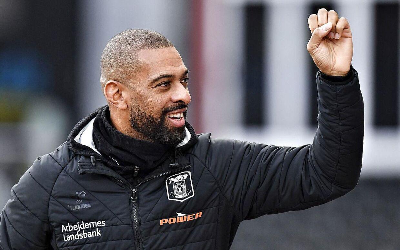 David Nielsen, billedet, forlængede søndag sin cheftrænerkontrakt i superligaklubben AGF frem til sommeren 2023.