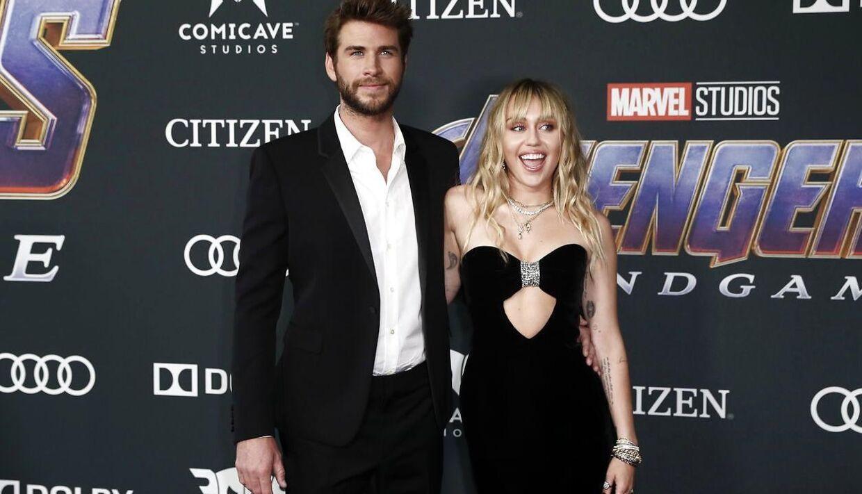 Miley Cyrus og Liam Hemsworth har fået papirarbejdet på plads i forbindelse med deres skilsmisse.