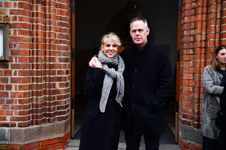 TV-værterne Cecile Frøkjær og Michael Robak.