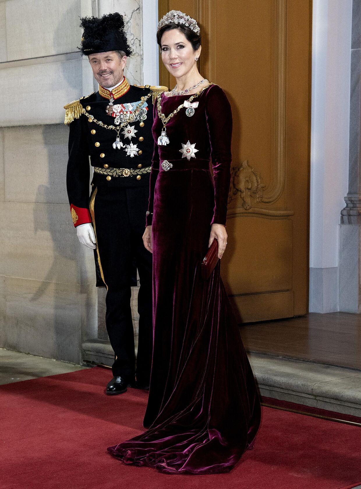 Kronprinsesse Mary og kronprins Frederik ved nytårstaflet i 2019.