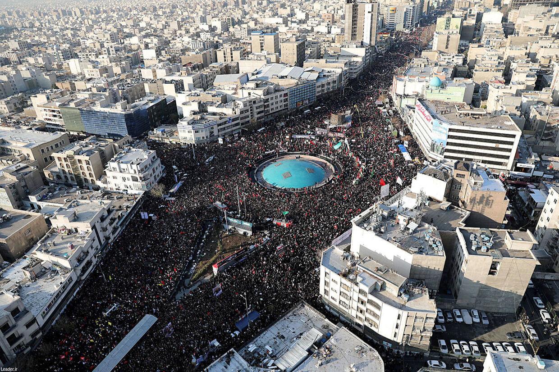 Billede fra luften, der er taget under begravelsesceremonien for Qasem Soleimani, tilbage i januar måned.