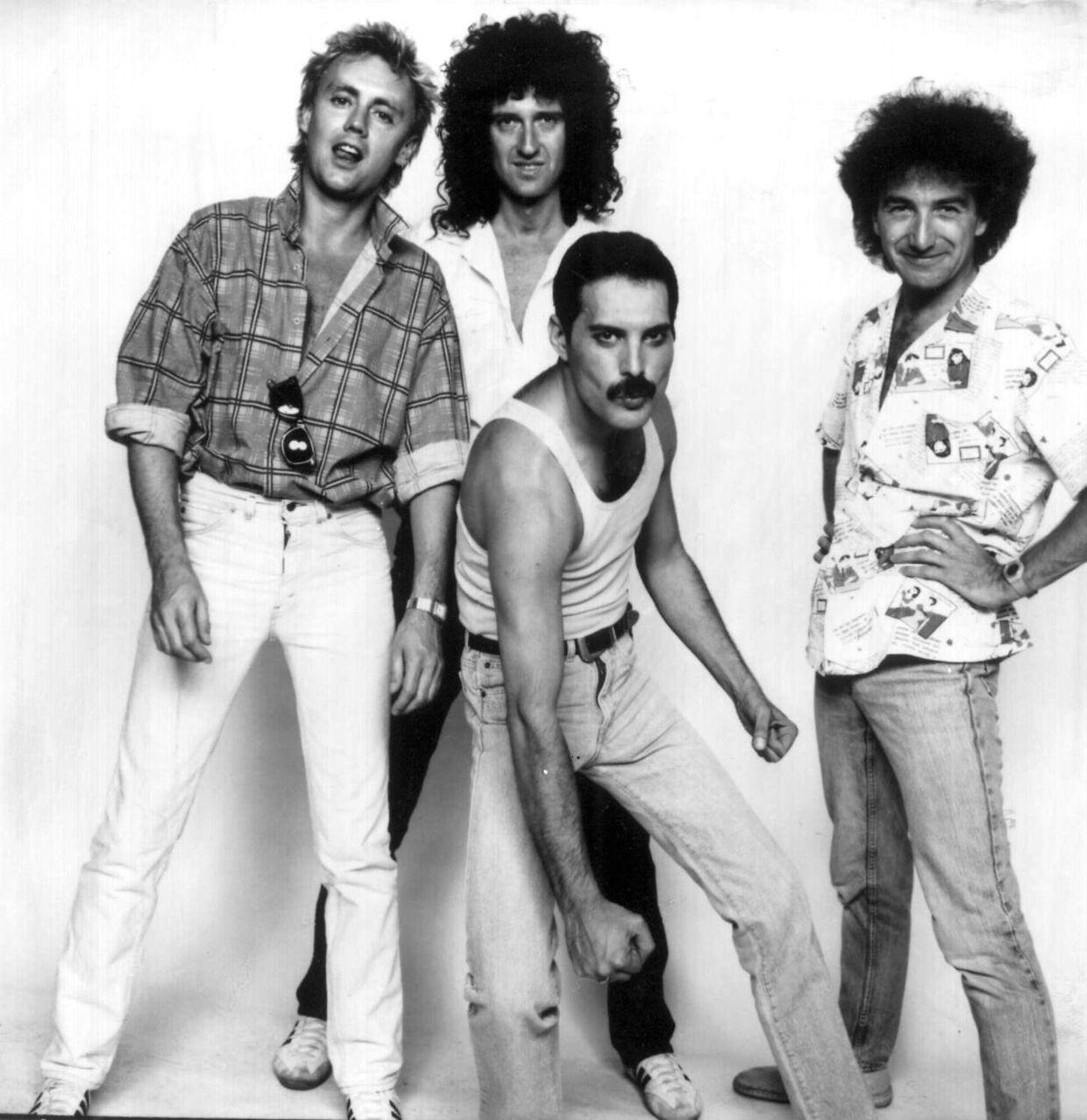 Queen i storhedstiden. Freddie Mercury er nummer tre fra venstre.