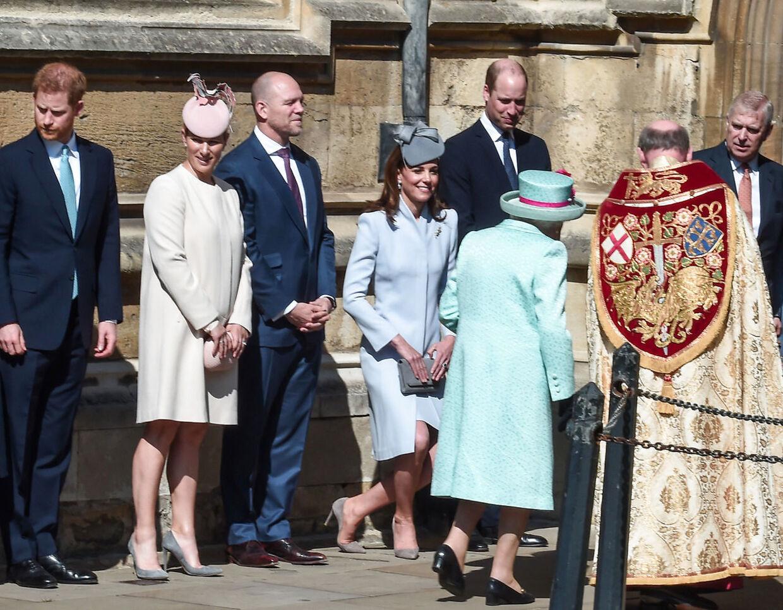 Prins Harry, Zara Tindall, Mike Tindall, hertuginde Kate, prins William og dronning Elizabeth i april 2019.