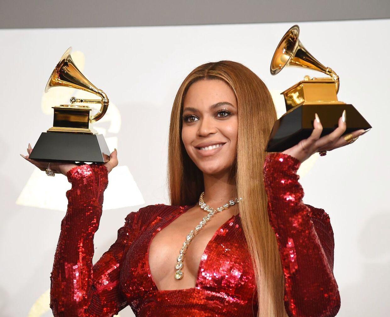 Popstjernen Beyoncé kalder sin Jaguar 'Honeybee'.