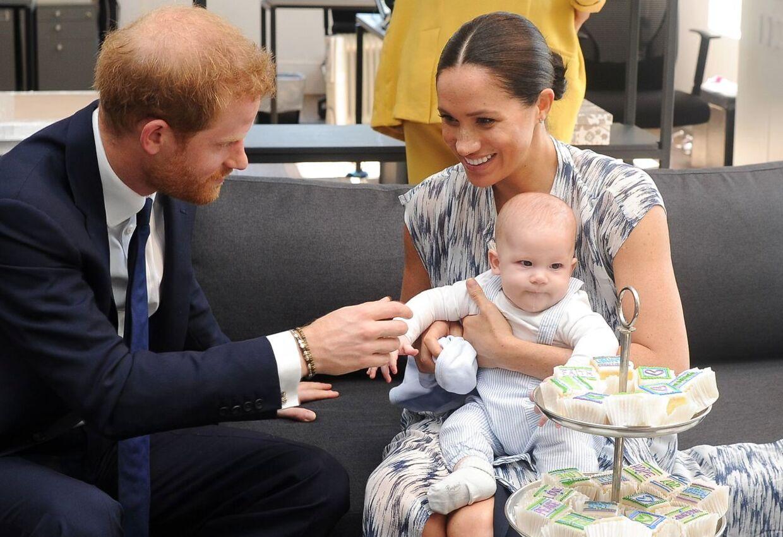 ARKIVFOTO af prins Harry, hertuginde Meghan og deres søn, Archie.