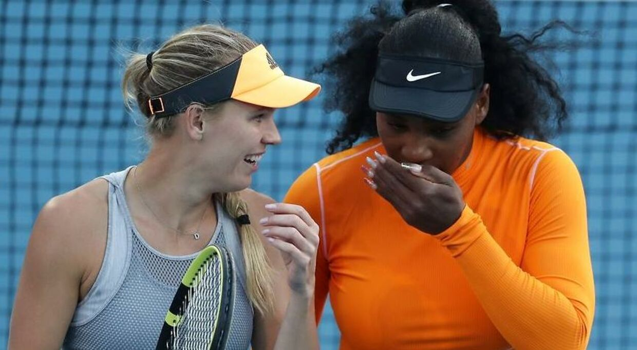 For første gang i karrieren spiller Caroline Wozniacki og Serena Williams sammen i damedouble ved en WTA-turnering.