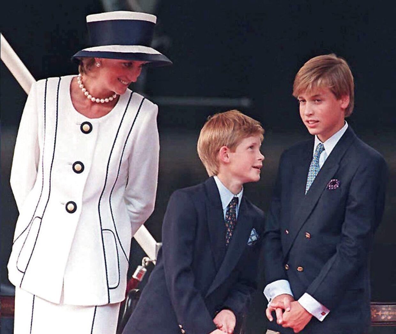 Prinsesse Diana med sønnerne Harry og William oi 1995.
