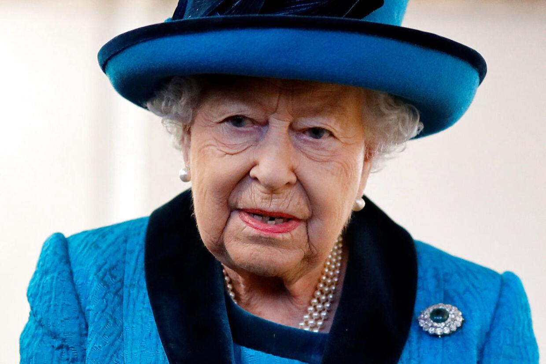 Dronning Elizabeth har sat sine toprådgivere til at arbejde på højtryk for at finde en løsning på udfordringen med Harry og Meghan. (Arkivfoto)