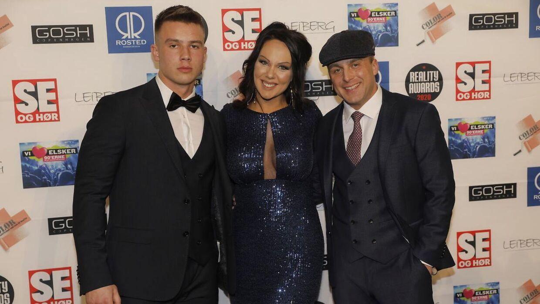 Lenny Pihl (til højre, red.) var en af tre værter til 'Reality Awards 2020'.