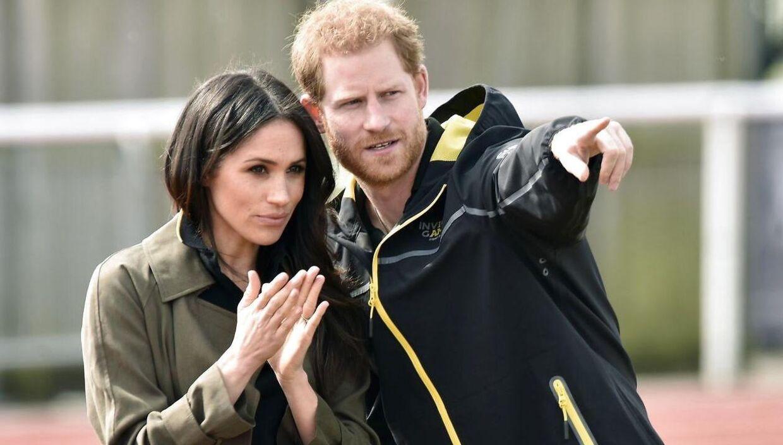 Donald Trump synes, det er synd for dronning Elizabeth, at prins Harry og hertuginde Meghan vil trække sig tilbage.