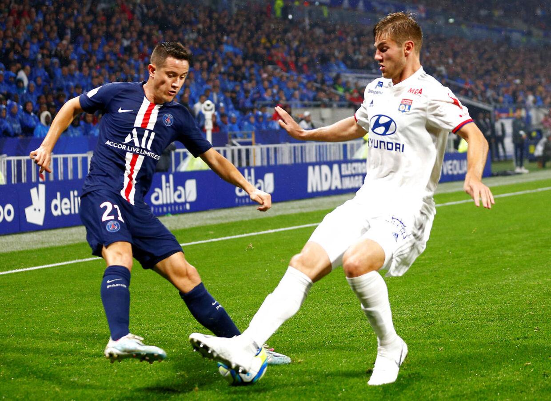 Joachim Andersen kom til Lyon i sommer som den dyreste spiller, den franske klub nogensinde har købt. Her ses han i kampen mod PSG.