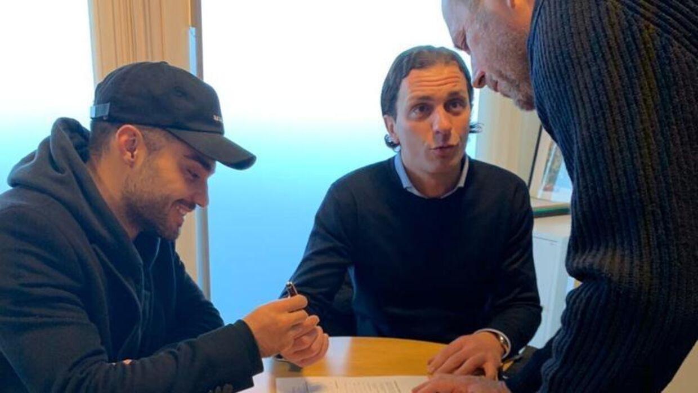 Rezan Corlu og hans agent, Evren Sahin, var her en tur forbi Brøndbys sportsdirektør, Carsten V. Jensen, for at få forlænget kontrakten.