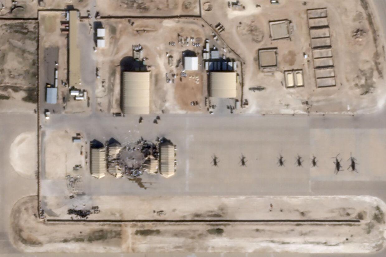 Satellitbillede af et missilnedslag på Al-Asad-basen i Irak, hvor 133 danske soldater opholdt sig, da Iran onsdag i sidste uge angreb med ballistiske missiler. Planet/Reuters