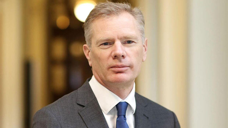 Den britiske ambassadør i Iran, Rob Macaire, blev anholdt af iransk politi i forbindelse med en demonstration lørdag.