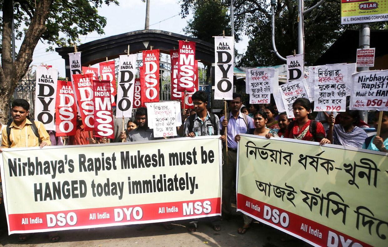 Kravet om at voldtægtforbryderne skulle hænge for deres forbrydelse, var udtalt efter forbrydelsen i 2012.