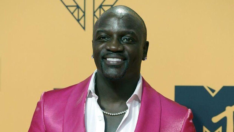 Sådan ser manden bag den nye Akon City ud.