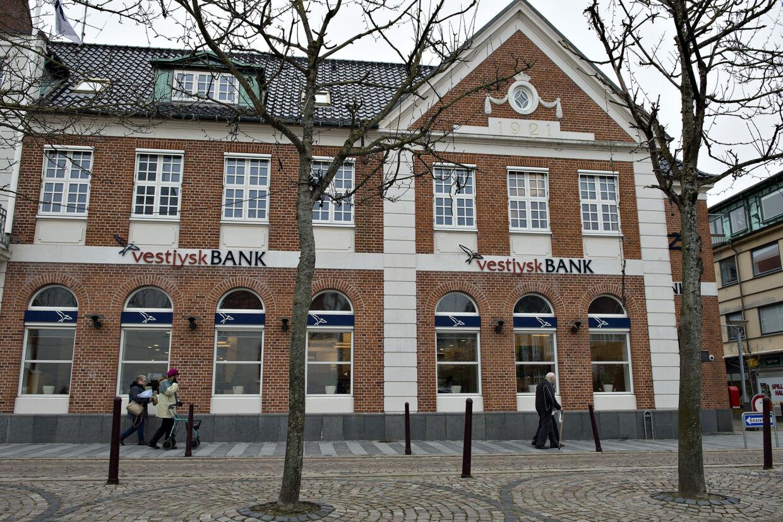 Fra Vestjysk Banks hovedkvarter i Lemvig er det onsdag annonceret, at banken vil begynde at tage negative renter for privatkunders indskud. (Arkivfoto) Henning Bagger/Ritzau Scanpix