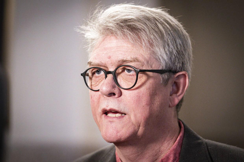 Karsten Hønge (SF) taler med pressen før et ekstraordinært møde i Udenrigspolitisk Nævn om Iran og Irak på Christiansborg, onsdag den 8. januar 2020.