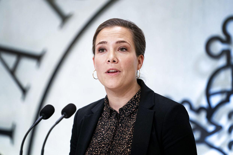 Social- og indenrigsminister Astrid Krag (S) kalder rapporten om bostedet Zen Huset for voksne autister rystende læsning.