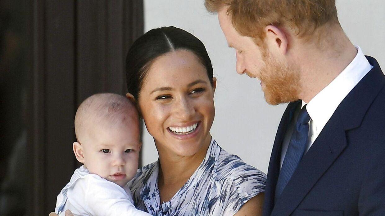 Prins Harry og Meghan er sammen med deres søn, Archie, flyttet til Canada i håbet om et mere fredeligt liv ude af spotlightet.