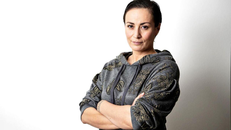 Julie Berthelsen er med i juryen ved dette års Melodi Grand Prix og kan være med til at sikre sangeren Søren Okholm, som hun tidligere har samarbejdet med, en plads i finalen.