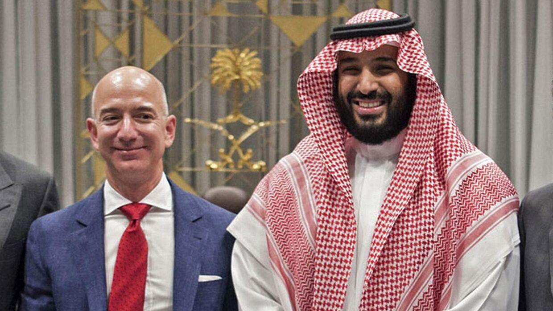 Her er Jeff Bezos og kronprins Mohammed bin Salman fotograferet sammen med en tidligere lejlighed.