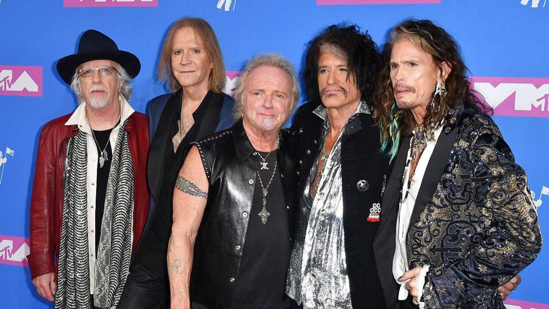 Her Aerosmith. Fra venstre: Brad Whitford, Tom Hamilton, Joey Kramer, Joe Perry og Steven Tyler.
