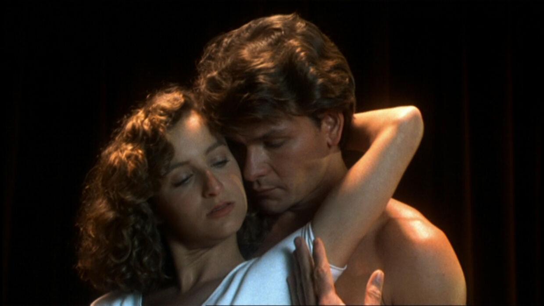 Patrick Swayze og Jennifer Grey var stort set ukendte, da de lavede 'Dirty Dancing'. Her ses de i en af de legendariske scener.